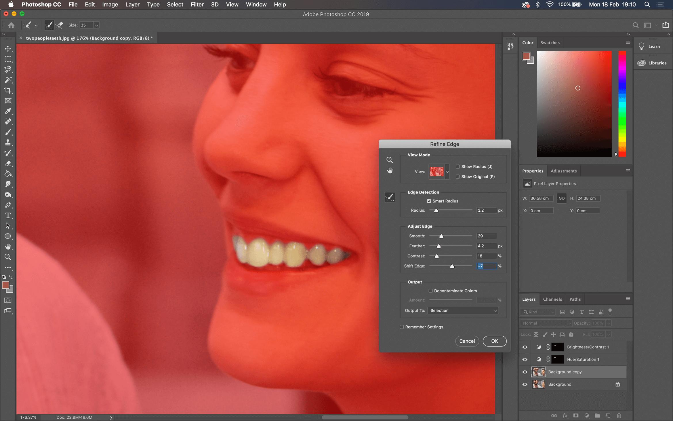 Refine edge tool in action Photoshop