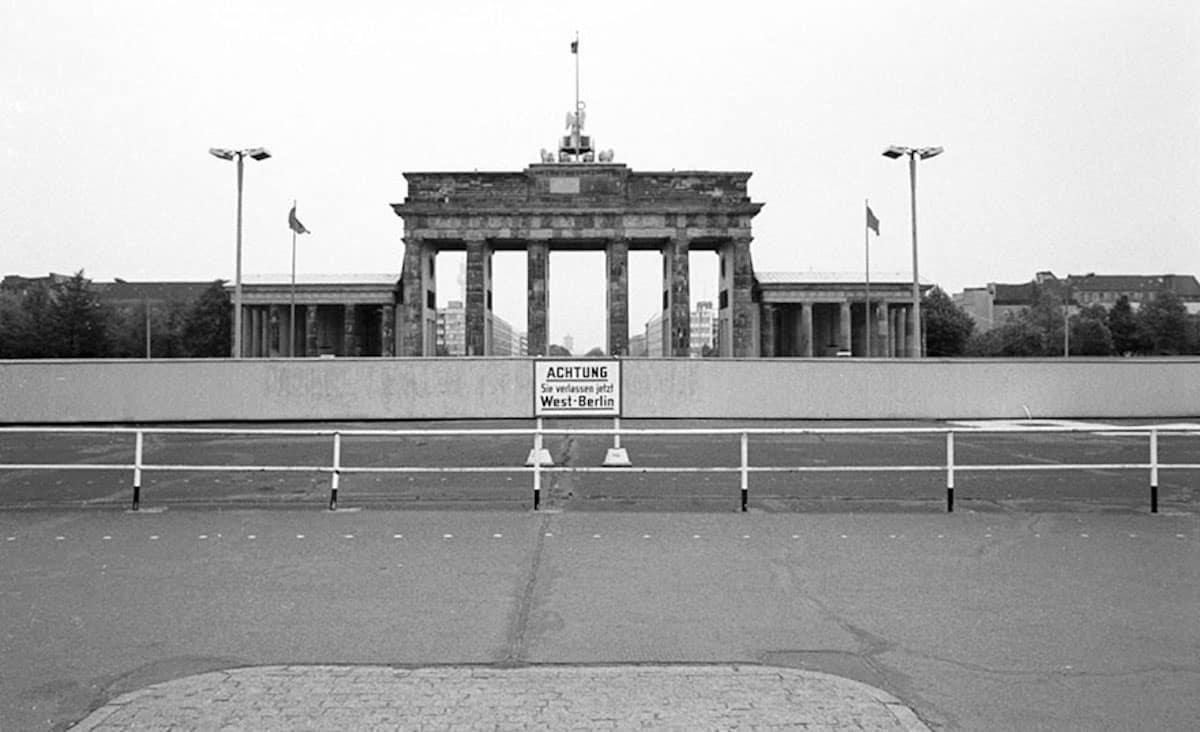 Berlin Brandenburger Tor 1979, Credits : refilm.io